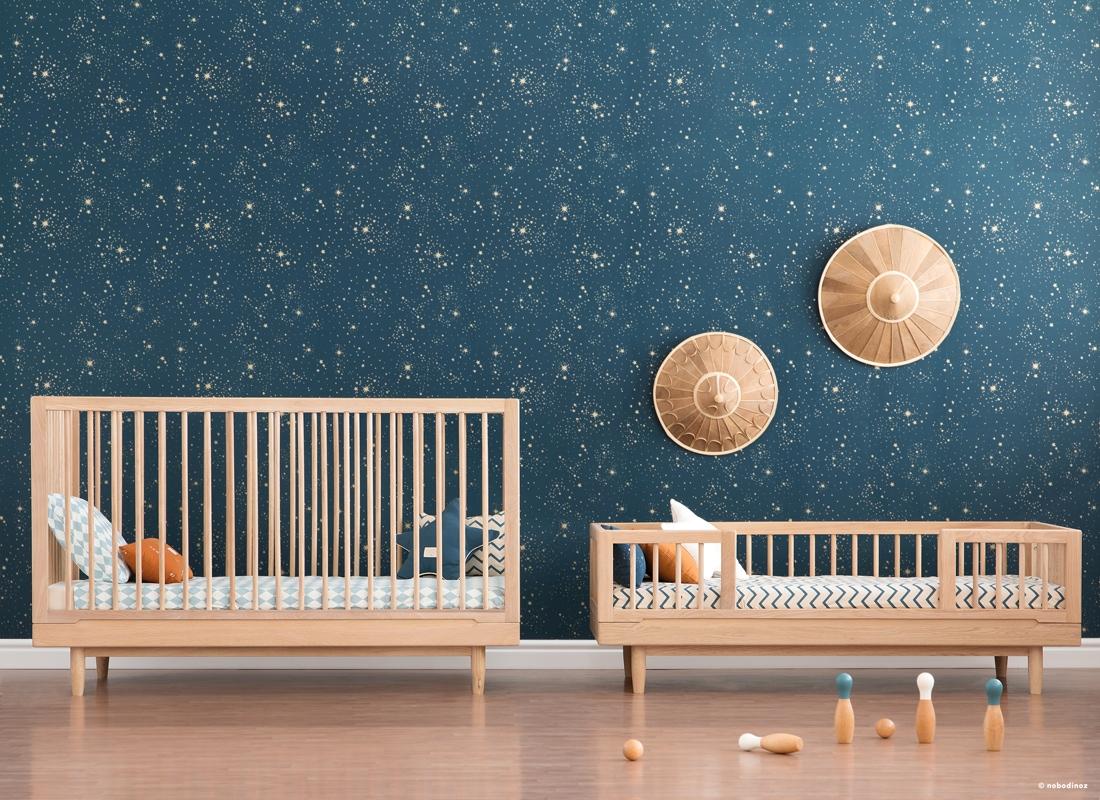 Habitación de bebé tonos naturales
