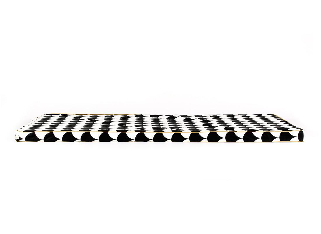 Colchoneta de suelo Saint Tropez 120x60x4 escamas negras