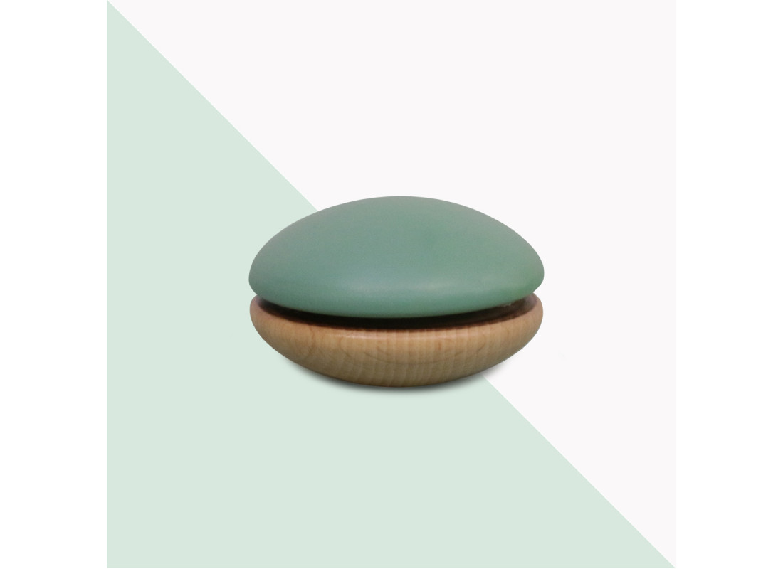 Yoyo de madera 6x6x4cm verde