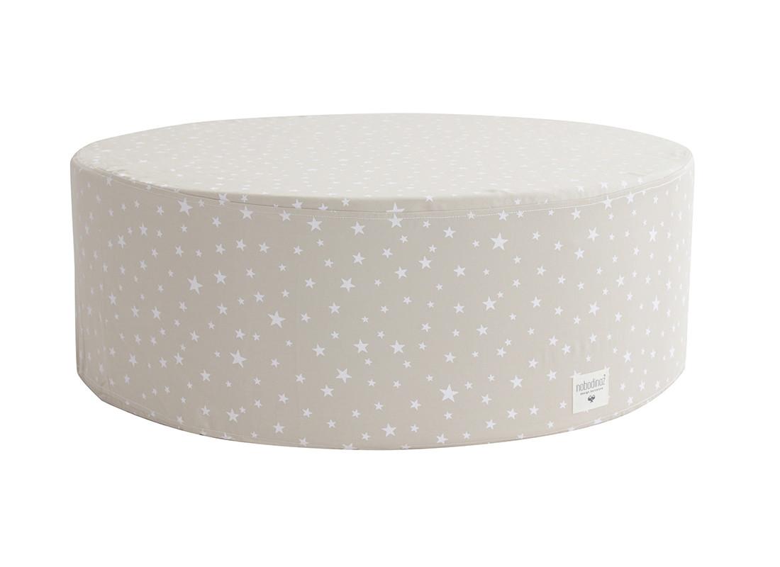 Puf Soho 76x76x26 arena y estrellas blancas