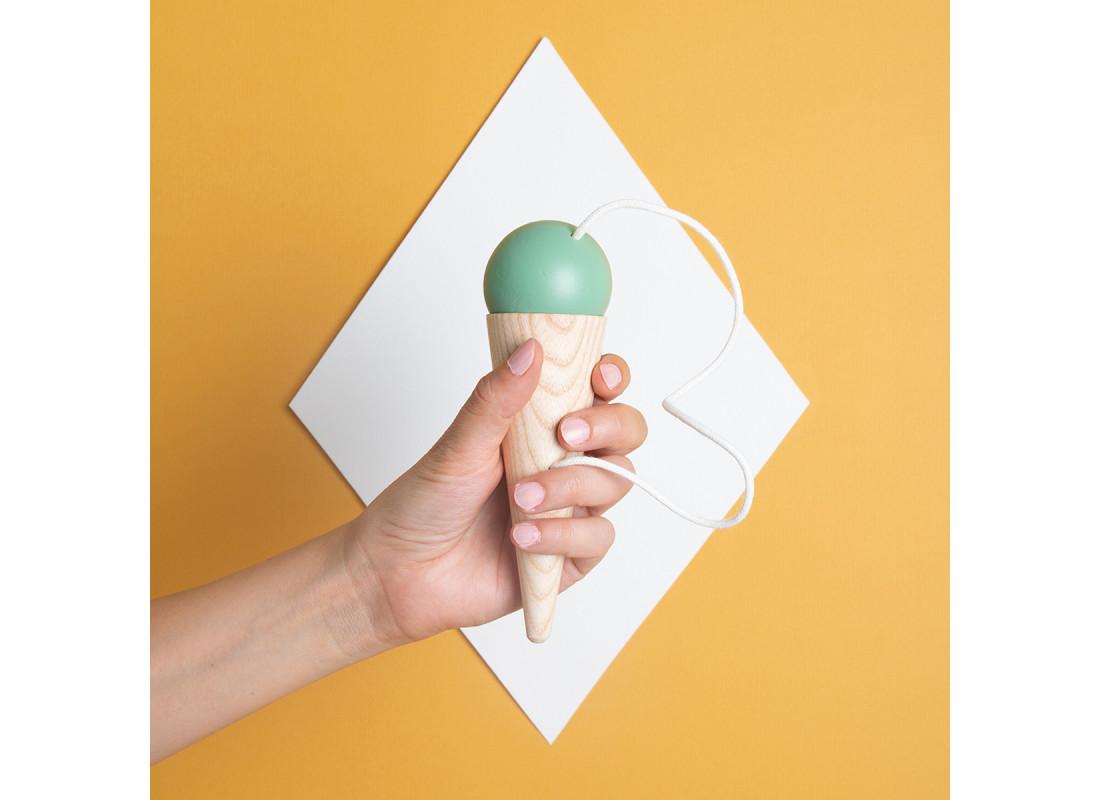 Bilboquet 17x5cm green