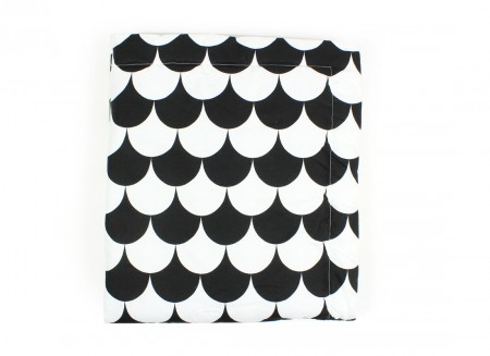 Copenhague blanket black scales - 2 sizes