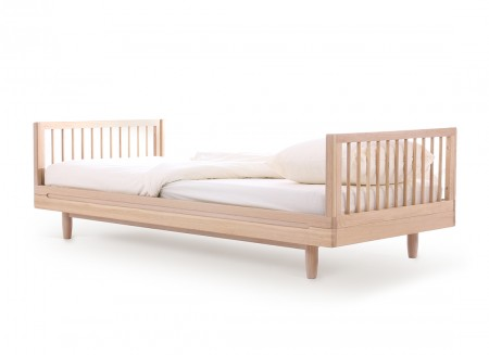 Oak wood single bed • Pure