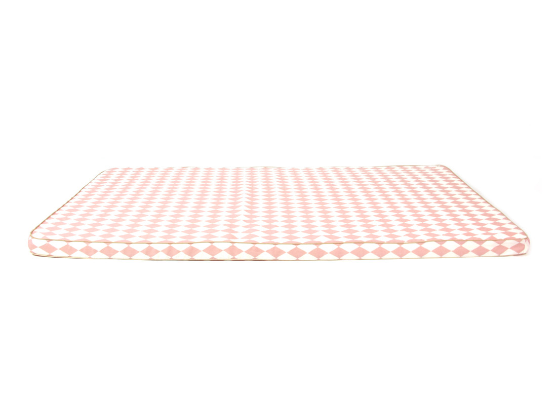 Saint Tropez play mattress • pink diamonds