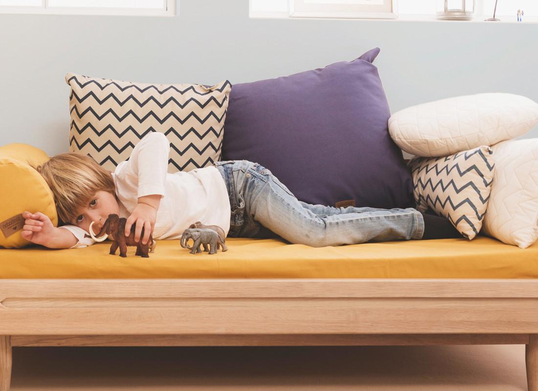 coussin aladdin 60x60 farniente yellow website officiel d co pour enfants et b b s. Black Bedroom Furniture Sets. Home Design Ideas