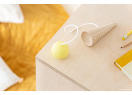 Bilboquet en bois • yellow